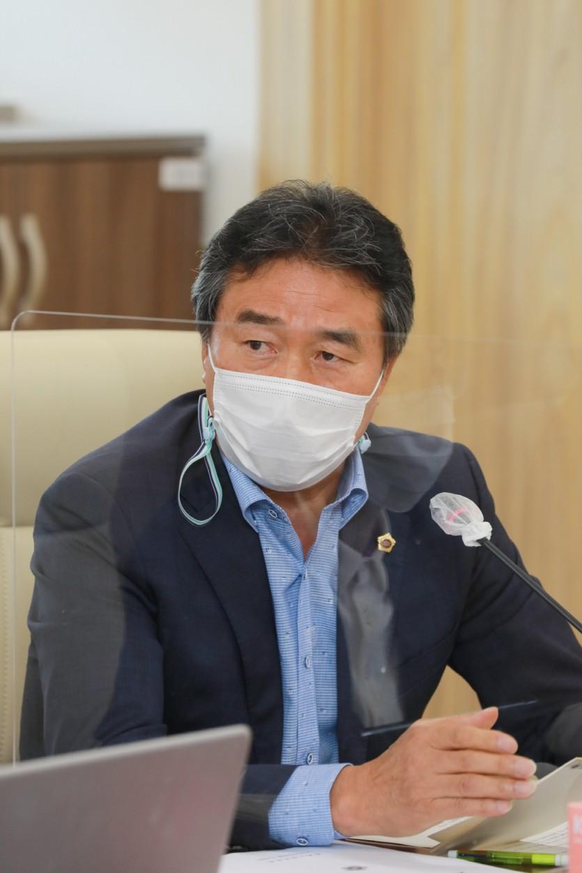 201106 김장일 의원, 경기도경제과학진흥원 노사 상생협력 경영 강조.jpg